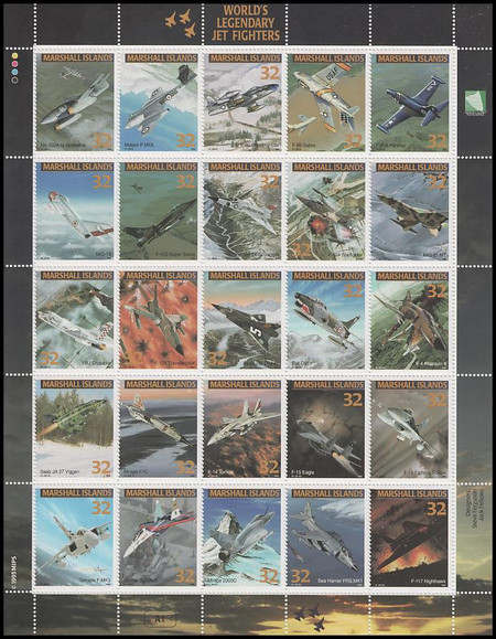 600 / 32c World's Legendary Jet Fighters 1995 Marshall Islands 25 Stamp Se-Tenant Sheet