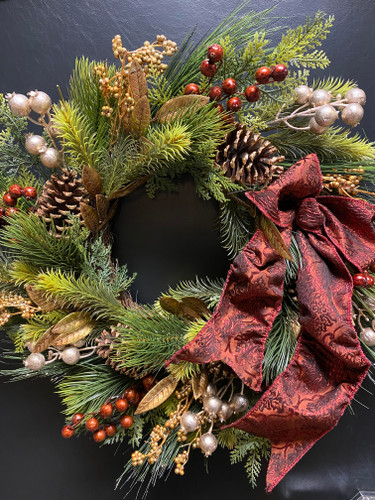 Elegant Gold Wreath