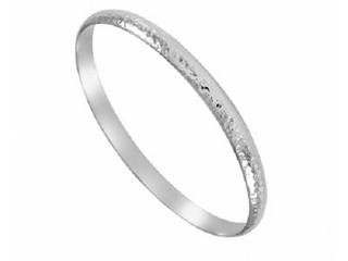 Silver Ladies Hammered D  6mm Shape Bangle