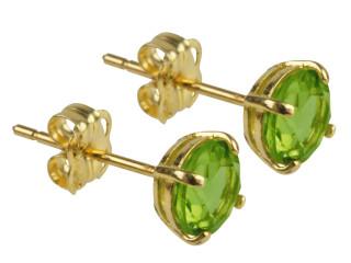 9ct August birthstone stud earrings (Peridot)