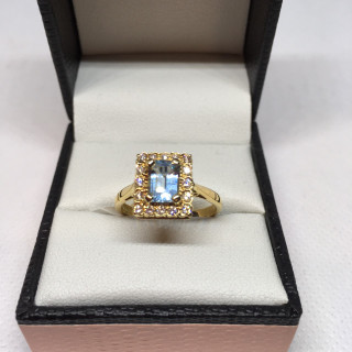 18ct Large Aqua & Diamond Ring