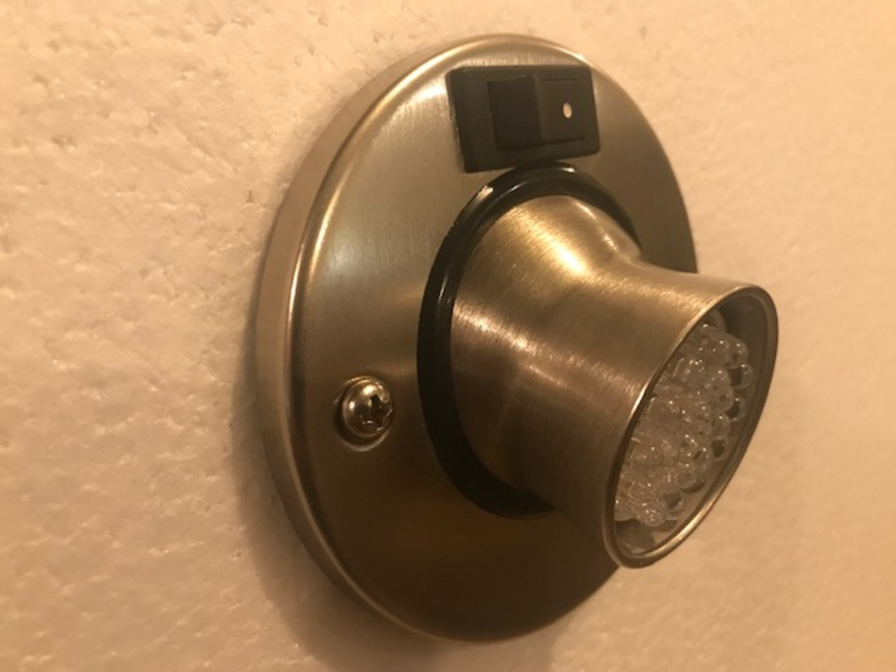 REPLACEMENT FOR DIRECTIONAL HOLE LIGHTS