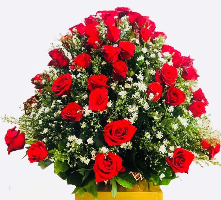 send flowers to Sri Lanka, 100 Red Roses