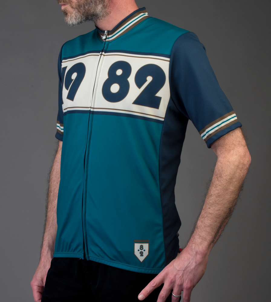 1982-retro-cyclingjersey-teal-model.png