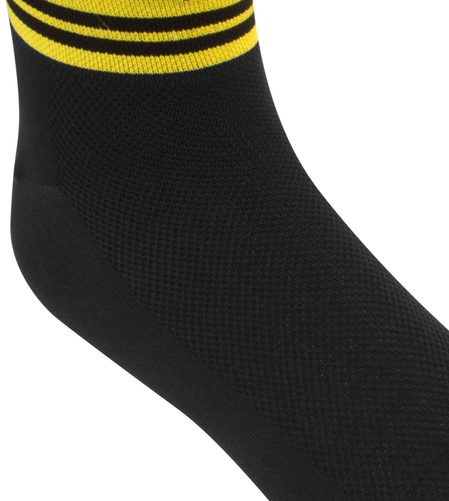 Black and Yellow Dot Design Detail