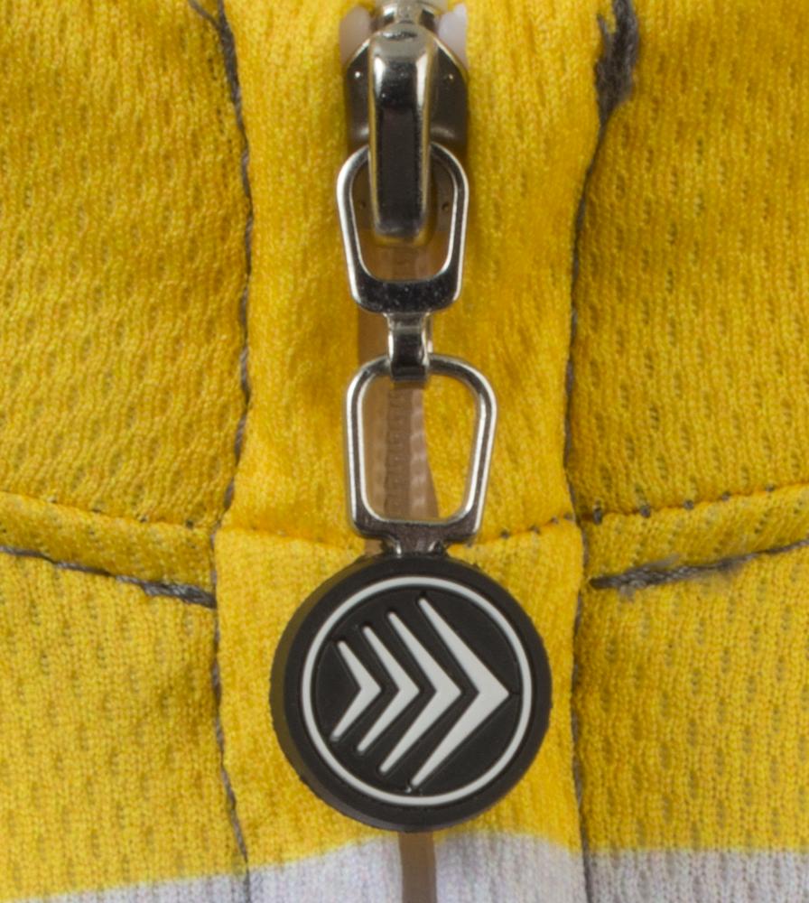 cadance-tallman-cyclingjersey-detail-fullzipperpull.png
