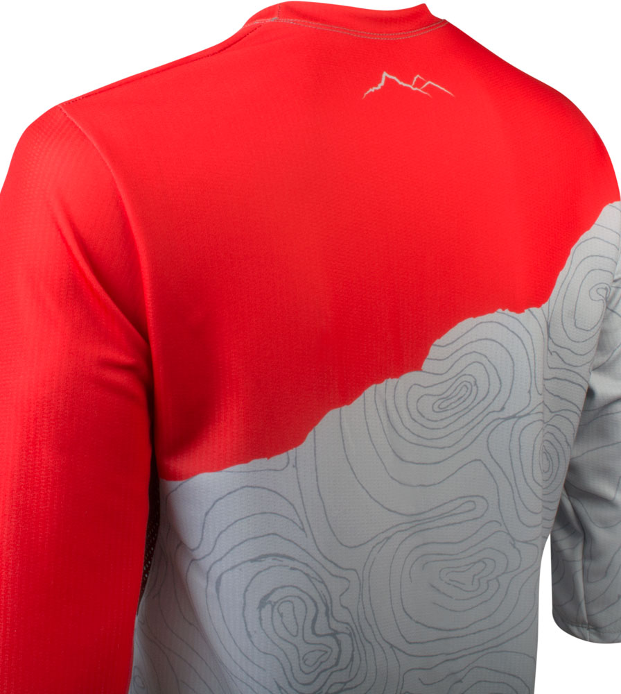 camber-mtbjersey-3quartersleeve-topo-red-back-detail.jpg