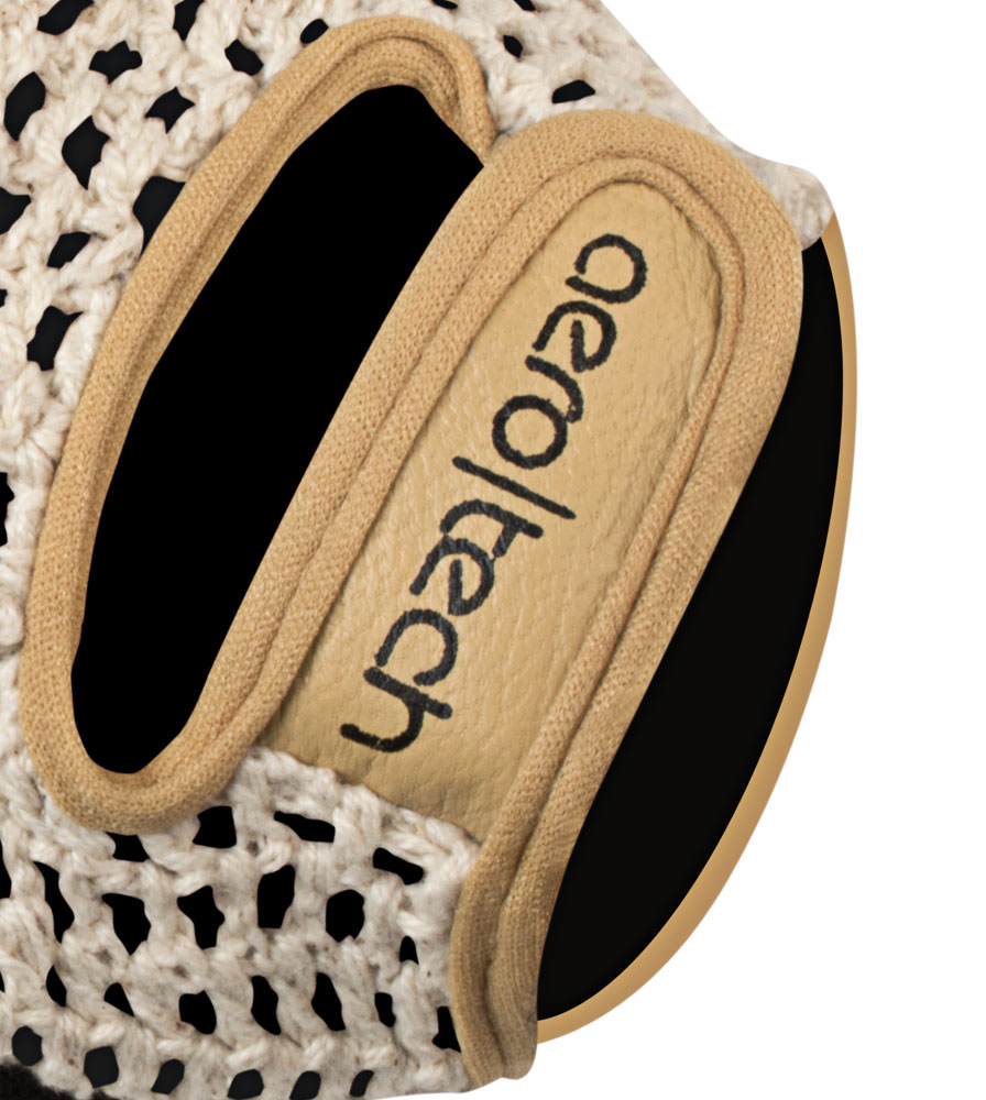 Hook and Loop Closure on the Extra Gel Padded Crotchet Cycling Gloves