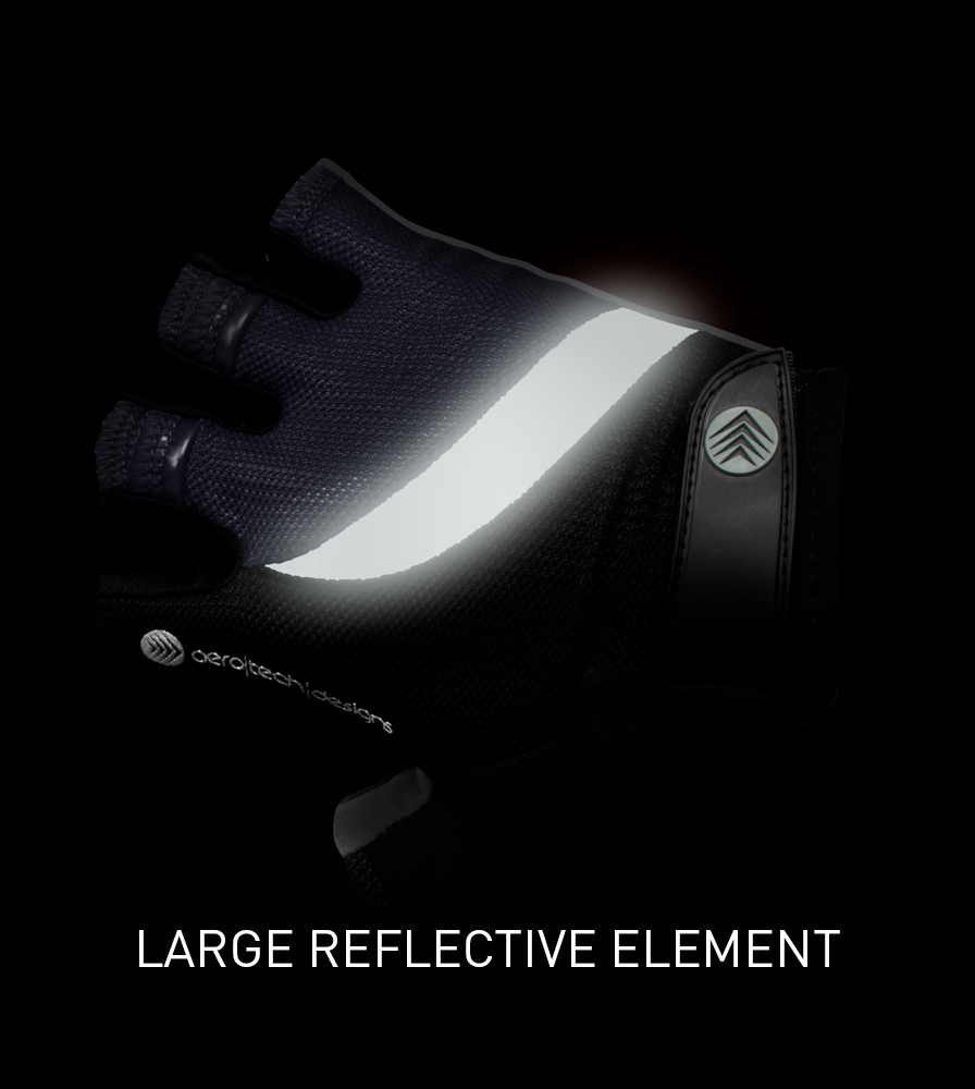 Reflective Detail on the Lightweight Reflective Cycling Glove