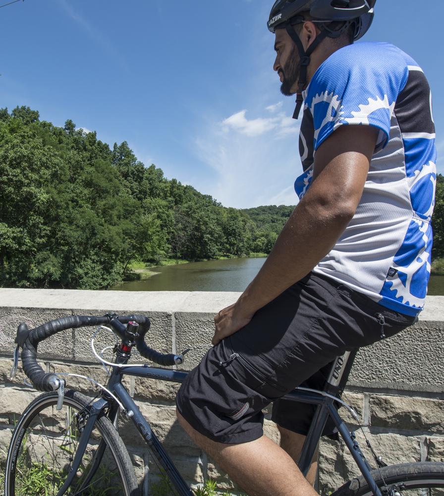 Men's Multi-Sport Short Bike Modeled View