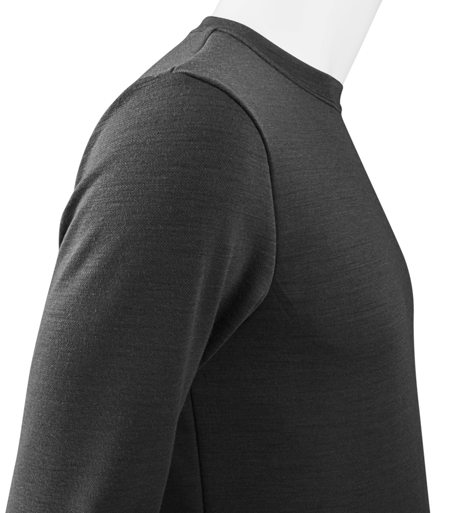 merinowool-cycling-baselayer-charcoal-side-detail.png