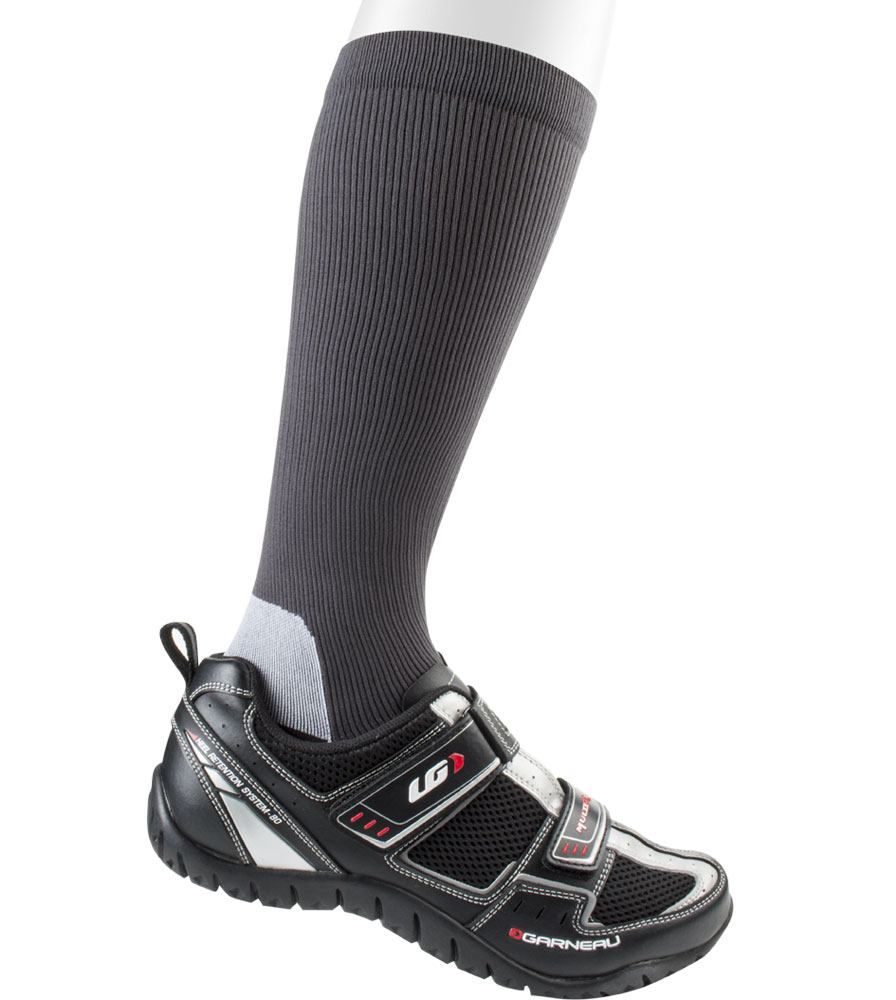 womens-compressionsocks-charcoal-onshoe.png