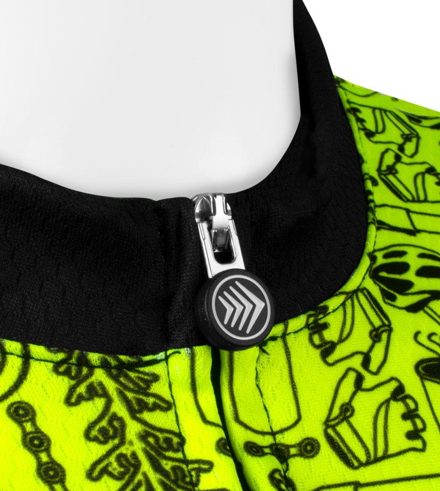 Collar and Zipper Pull Detail on the Women's Fierce Motivate Jersey
