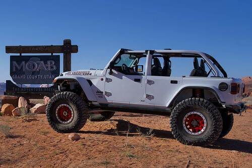Half doors shown on the GenRight Aftershock Jeep JL