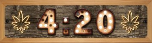 420 Wholesale Novelty Wood Mounted Metal Small Street Sign WB-K-812