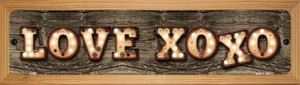 Love XOXO Wholesale Novelty Wood Mounted Metal Small Street Sign WB-K-832