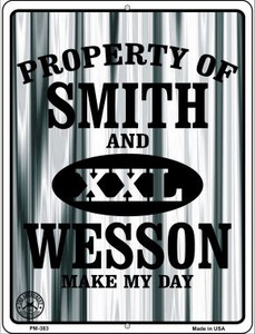 Smith and Wesson Wholesale Novelty Mini Metal Parking Sign PM-383