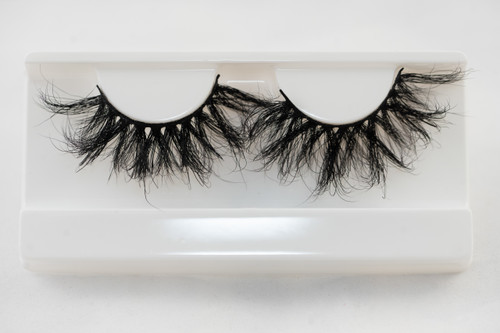 Long, thick, curly 6d 25mm lashes