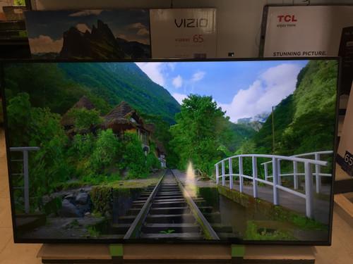 "VIZIO V-Series 65"" Inch HDR 4K UHD Smart LED TV V655-G9 - Small Crack At Corner- As Is"