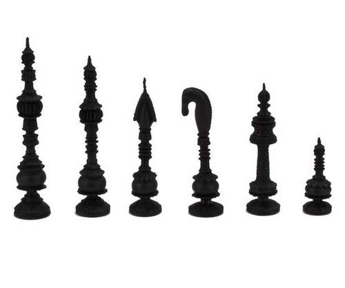 Wooden Indian Artistic Chessmen Black & White