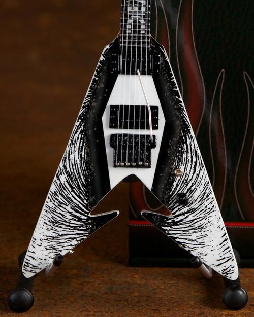 Axe Heaven Kirk Hammett Death Magnetic V Miniature Guitar Replica Collectible (kh-304)