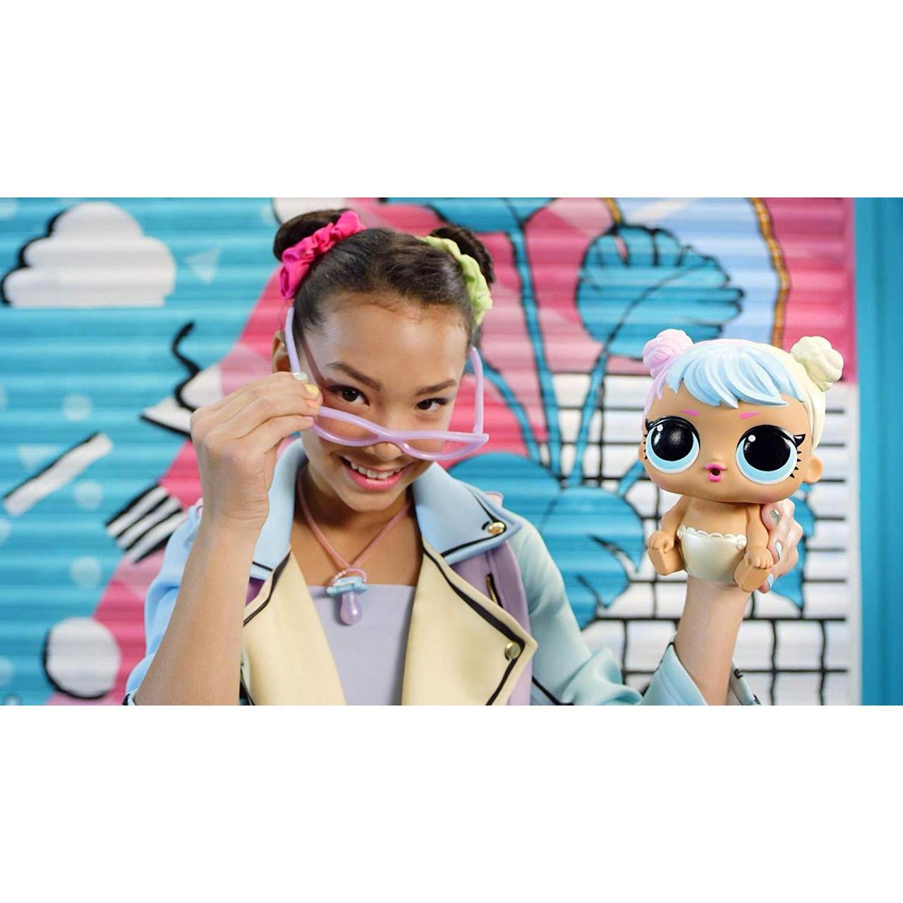Ooh La La Baby Surprise Lil Kitty Queen with Purse /& Makeup L.O.L Surprise