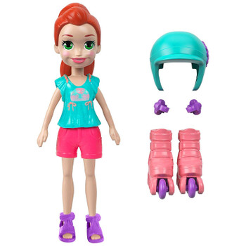 Her removable outfit includes shorts, a short-sleeved top, and sandals.