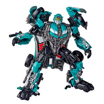 STUDIO SERIES DELUXE CLASS: Deluxe Class figures are 4.5-inch collectible action figures inspired by iconic movie scenes and designed with specs and details to reflect the Transformers movie universe.