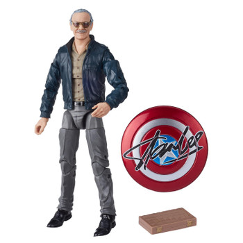 INCLUDES CAPTAIN AMERICA SHIELD AND CHESS BOARD: Figure includes a Captain American shield featuring Stan's signature and a chess board based on his iconic cameo in Marvel's The Avengers movie.