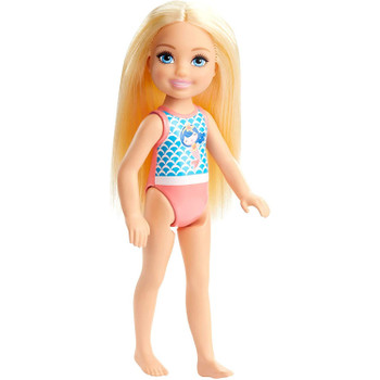Make a storytelling splash with summer-ready Chelsea™ dolls featuring sweet, beach-themed looks in a variety of colors and styles that make collecting fun.
