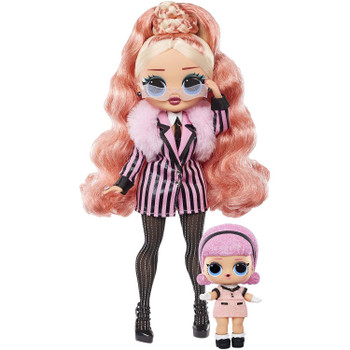 2 DOLLS: Big Wig has stunning features and styled hair, articulated for tons of poses, and she comes with her little sister L.O.L. Surprise! character, Madame Queen.