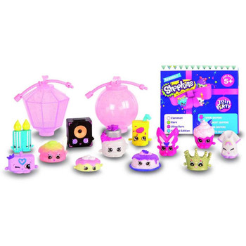 Shopkins Season 7 brings all new Party themed Shopkins to collect, including all new Topkins that can be stacked together to create a tower of cakes, a head-to-toe outfit, and more! Each pack includes 12 Shopkins and 2 glittery lanterns to hang and display your collection