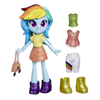 This Rainbow Dash mini doll comes with 7 character-inspired outfit pieces and accessories, 4 of which are hidden for a fashion surprise!
