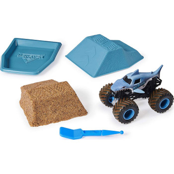 Mold, build & jump over realistic ramps from our synthetic dirt that looks and feels just like what the pros drive through! It's easy to mold and easy to clean! Use the included ramp mold as a ready-to-use ramp, a mold to build your own & a Monster Dirt storage container.