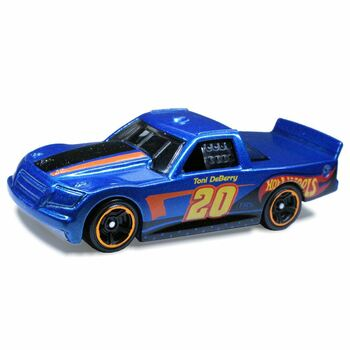 The Hot Wheels Spider Slam Track Set includes one Hot Wheels vehicle.