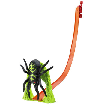 Get on the track and perfect your racing skills! Just hook on the gravity clamp and release your car down the track to smash the giant spider!