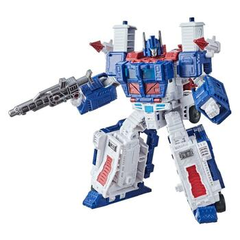 Transformers Generations War for Cybertron: Kingdom Leader WFC-K20 Ultra Magnus figure has been partially remolded and deco'd (from the Siege release) to best reflect his G1 look, and with no battle damage!