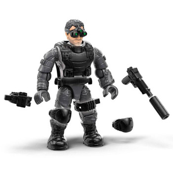 Sam Fisher figure features premium printed detail, 12 points of articulation and a buildable figure stand with nameplate to create a dynamic display.