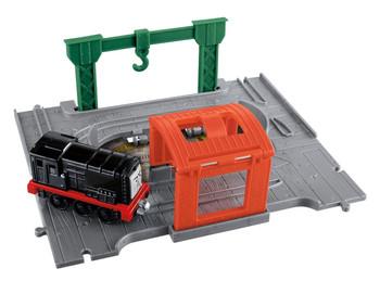 Thomas & Friends Take-n-Play DIESEL Die-cast Engine with Portable Playset