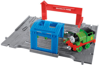 Thomas & Friends Take-n-Play PERCY Die-cast Engine with Portable Playset