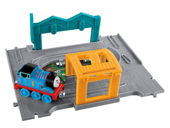 Thomas & Friends Take-n-Play THOMAS Die-cast Engine with Portable Playset