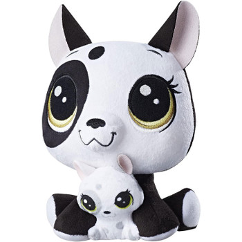 The baby plush pet can be detached from her mummy with an adult's help to play with them together or separately.