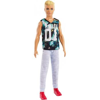 The Ken Fashionistas dolls stay cool with trendy looks and individual styles.