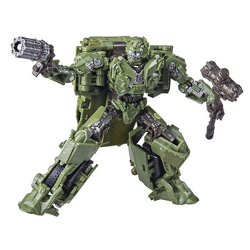 The 26BB Deluxe Class Transformers: The Last Knight WWII Bumblebee action figure features vivid, movie-inspired deco and includes blaster and hammer accessories modeled after the weapons Bumblebee uses in the film. Figure is highly articulated for posability.