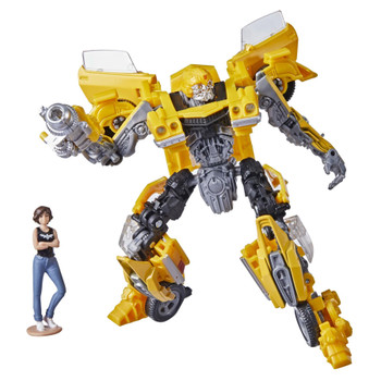 The 15BB Deluxe Class Transformers: Bumblebee Bumblebee action figure features vivid, movie-inspired deco and includes a mini Charlie figure and a blaster accessory modeled after the weapon Bumblebee uses in the film.