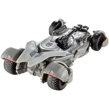 Hot Wheels Batman: JUSTICE LEAGUE BATMOBILE 1:50 Scale Die-Cast Vehicle