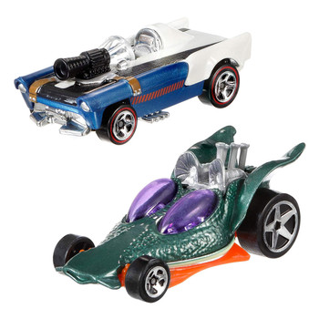 Iconic Star Wars characters - Han Solo & Greedo - re-imagined as Hot Wheels cars.