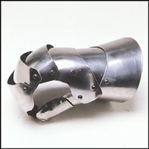 Clamshell Gauntlets
