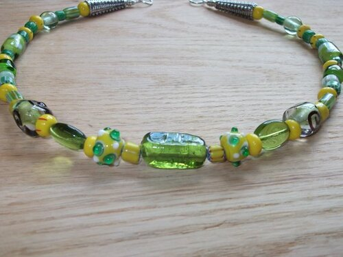 Brooch Chain - in Green and Yellow