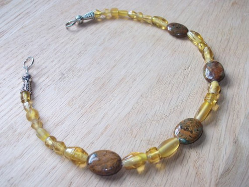 Brooch Chain - in Brown